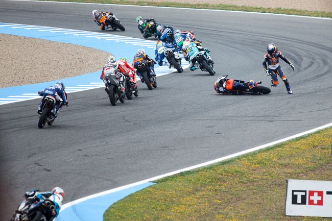 Moto3 riders are competing in Jerez de la Frontera, Spain Grand Prix on May 3rd, 2015